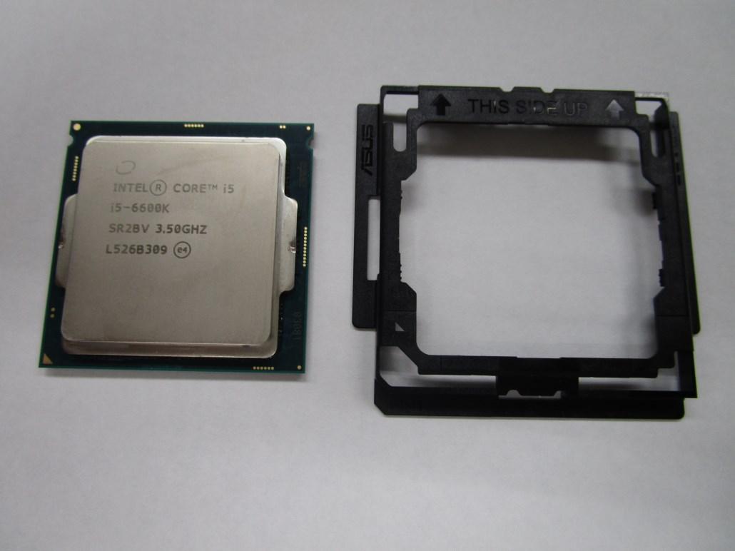 LGA1151のCPUと相棒の「CPU installation tool」