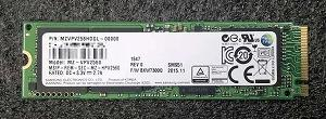 M.2のSSD(画像はSAMSUNG SM951 256GB)