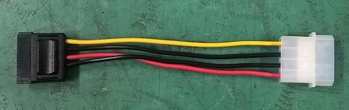 4ピン ペリフェラル・SATA変換ケーブル